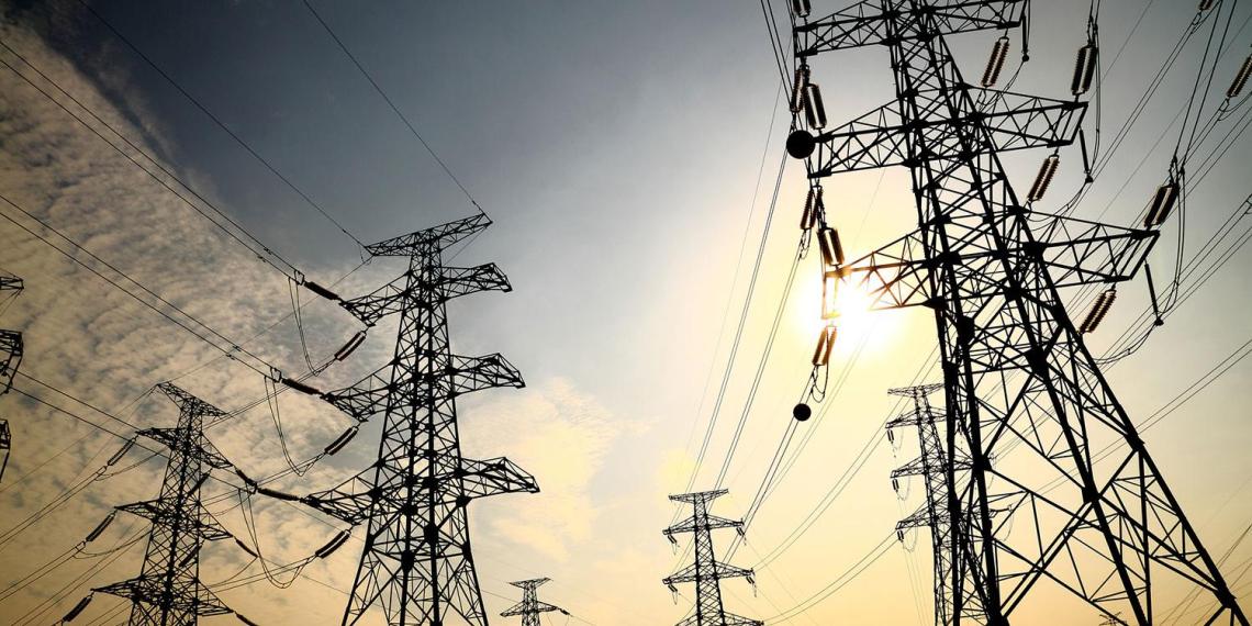Прибалтика поплатилась за отказ от российского электричества скачком цен на 18%