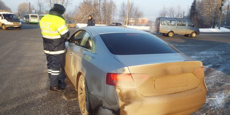 Машины с грязными номерами перестанут пускать на некоторые трассы