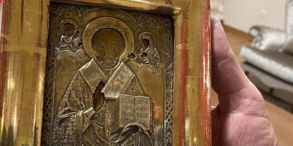 Киев потребовал вернуть подаренную Лаврову икону