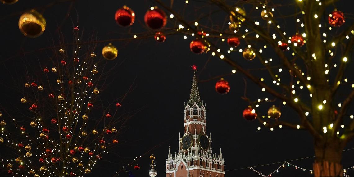 85% россиян планируют провести новогодние праздники дома
