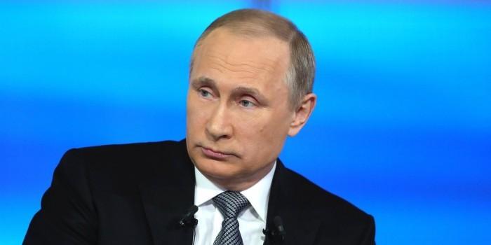 """""""Должна быть грань"""": Путин призвал пресекать хулиганские выходки на выставках"""