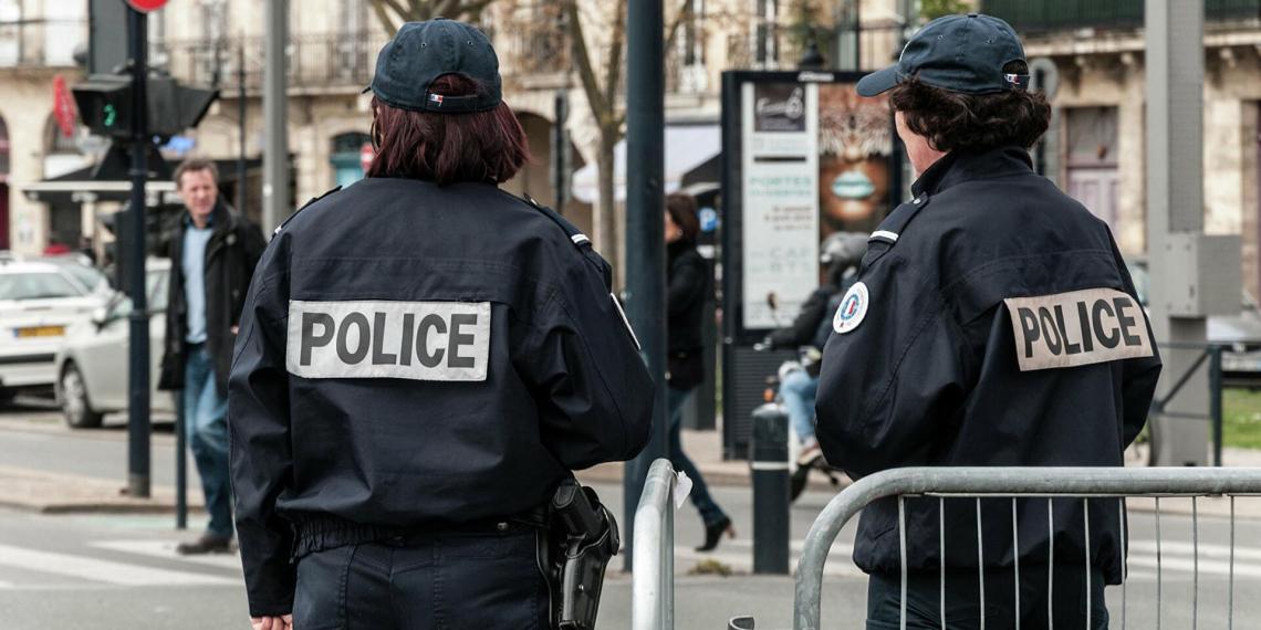 Арабские подростки избили в Париже пожилую россиянку