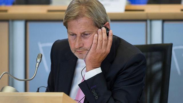 Непростой выбор: ЕС обязал Сербию ввести санкции против России