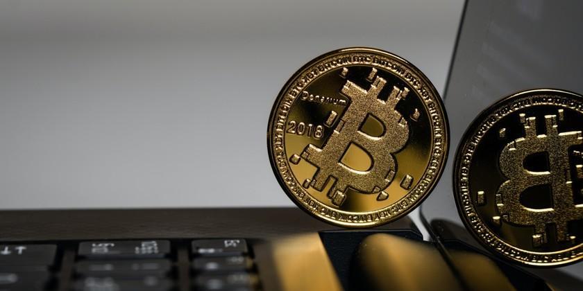 Стоимость биткоина впервые достигла $50 000