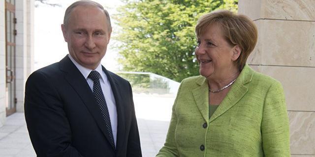 Путин перечислил Меркель условия для транзита газа через Украину