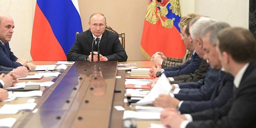 На прямой вопрос о доверии Владимиру Путину положительно ответили 71,3% россиян