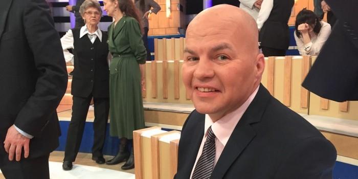 """Украинского политолога на """"Первом канале"""" избил создатель ДНР"""