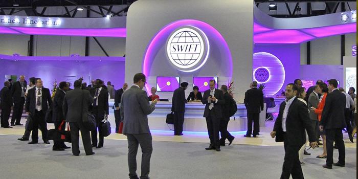 Bloomberg: США и ЕС не отключат Россию от SWIFT из-за ущерба для себя