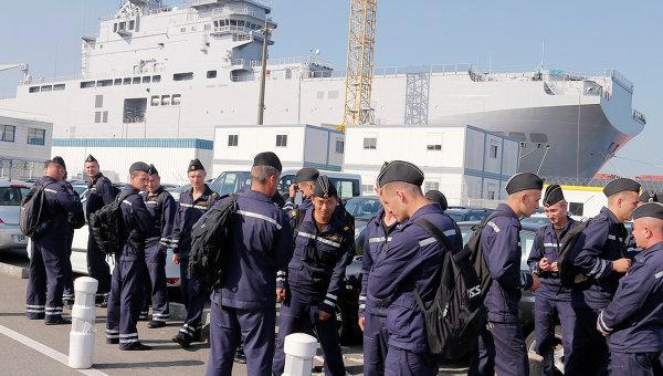 Франция отправит домой российских моряков, проходящих обучение по управлению «Мистралями»