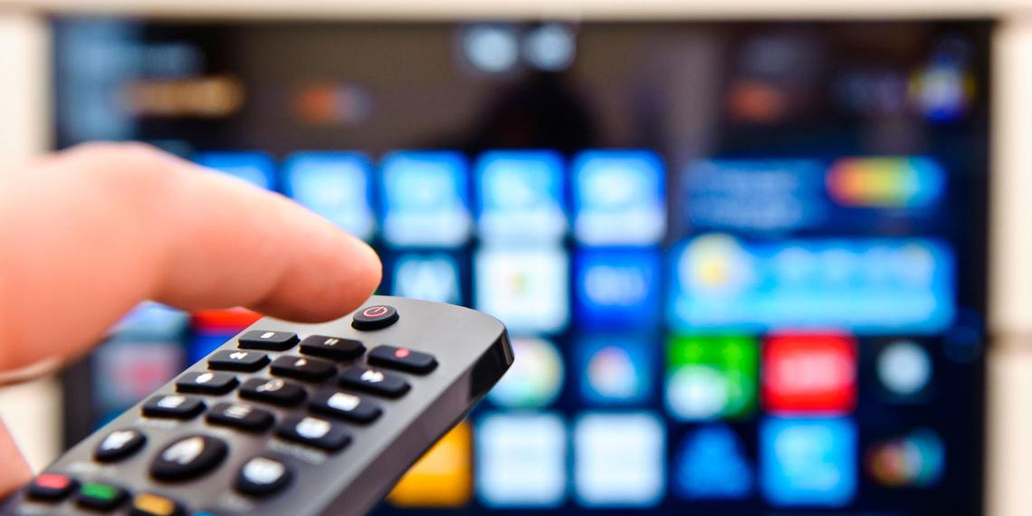 Онлайн-кинотеатры обяжут информировать о бесплатном ТВ