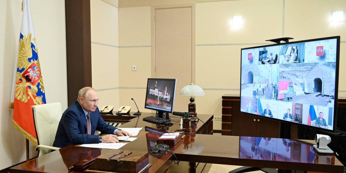 Путин открыл движение по второму Байкальскому тоннелю
