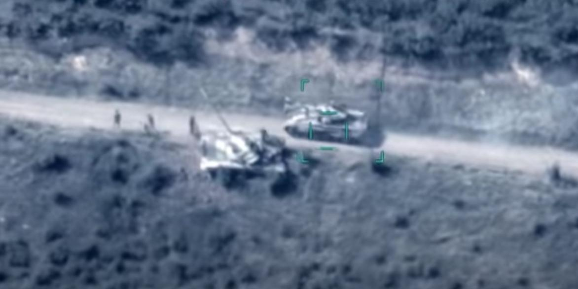 Минобороны Азербайджана показало кадры уничтожения танков армии Армении