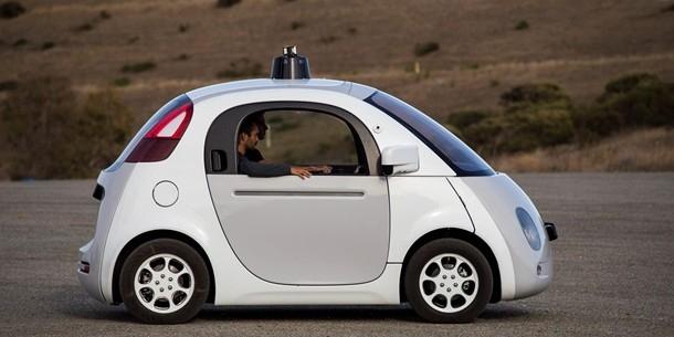 Беспилотные автомобили Google появятся на дорогах этим летом (ВИДЕО)