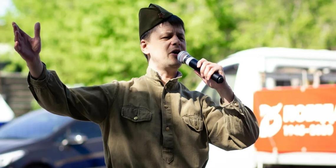 День Победы в новом формате: как в России поздравляли ветеранов в условиях самоизоляции
