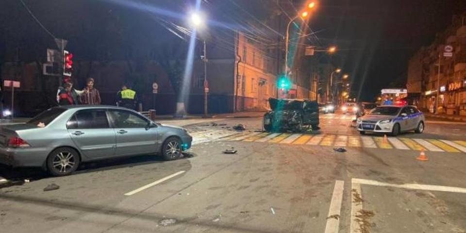 """Сын брянского вице-губернатора устроил """"пьяную"""" аварию: пострадали двое взрослых и ребенок"""