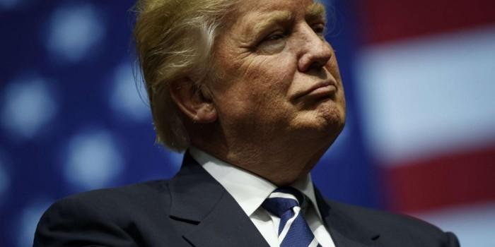"""""""Так долго проигрывает, что разучился побеждать"""": Трамп обрушился с критикой на Маккейна"""