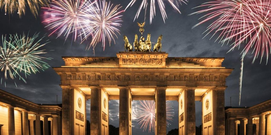 В Германии отменили крупнейшую новогоднюю вечеринку и продлевают карантинные ограничения