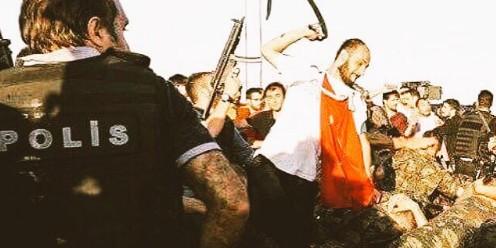 Сдавшихся турецкой полиции военных публично высекли