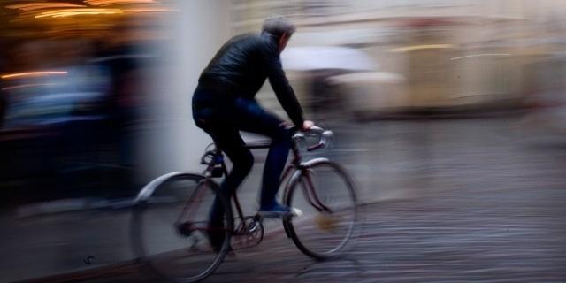 В Петербурге автоинспектор попросил велосипедиста предъявить права