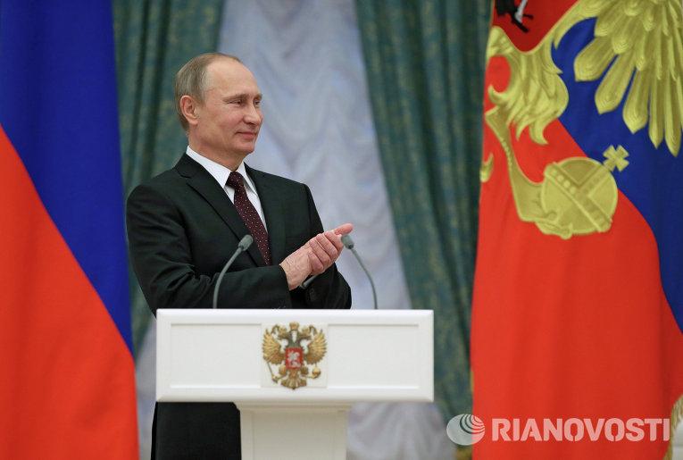 Путин вручил госнаграды Лановому, Учителю и Соловьеву