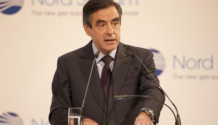Экс-премьер Франции: США с самого начала придумали себе врага в лице России
