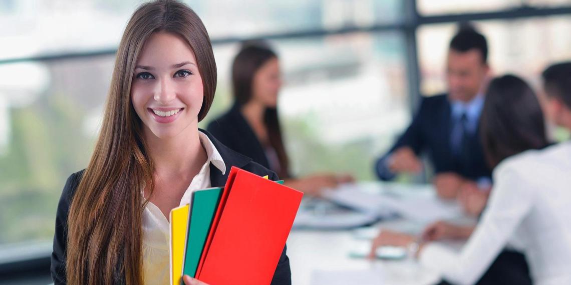 Минтруд рассказал, какие профессии чаще всего выбирают женщины