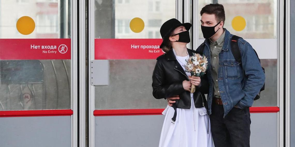 Еще 5966 россиян заразились коронавирусом
