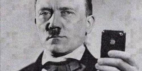 На родине Гитлера разыскивают его двойника, делавшего селфи в нацисткой форме