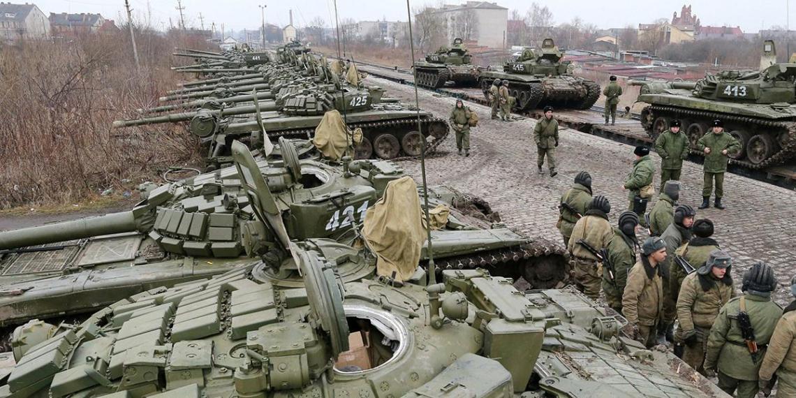 В Кремле призвали не беспокоиться из-за переброски войск к границе с Украиной