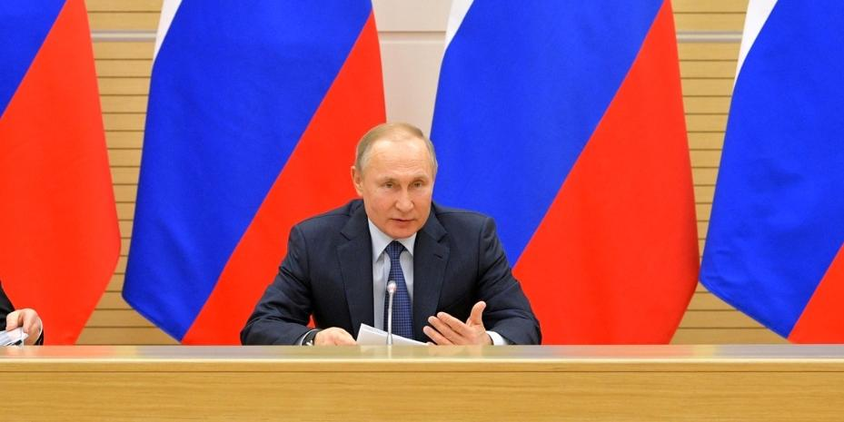 """Среди россиян заметили обеспокоенность разговорами о """"родителях №1 и №2"""""""