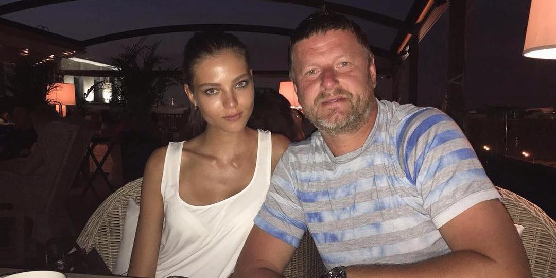 СМИ: налоговая заблокировала счета Алеси Кафельниковой и закрыла школу тенниса ее отца