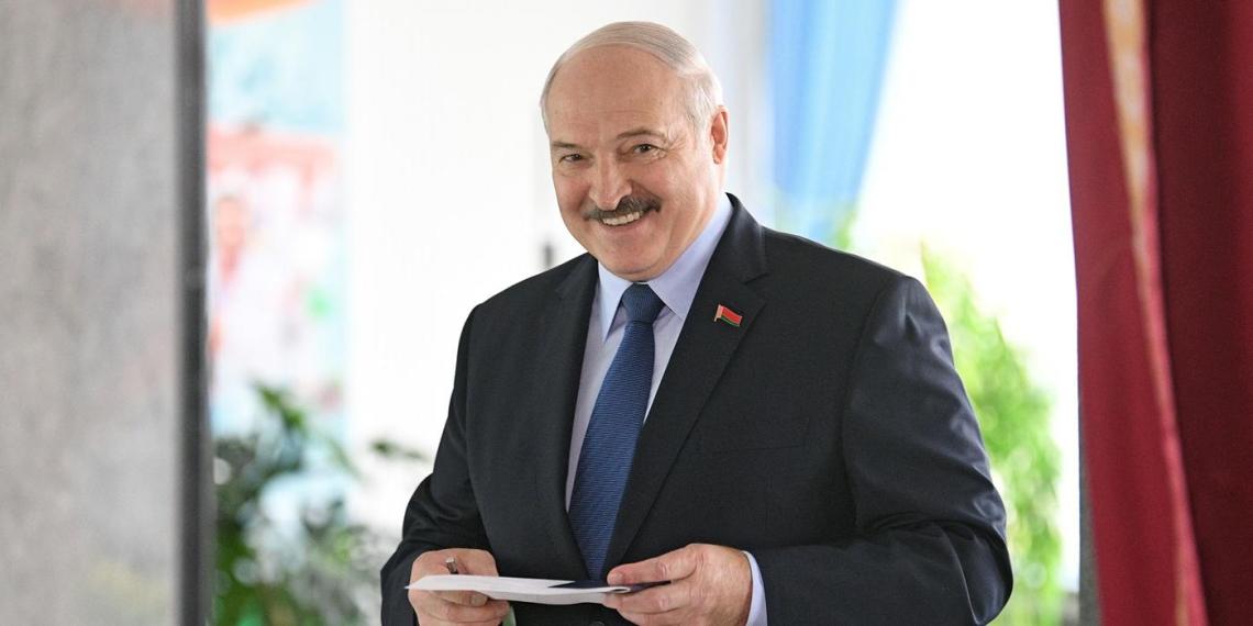 Белоруссия попросила Россию рефинансировать госдолг на 600 млн долларов