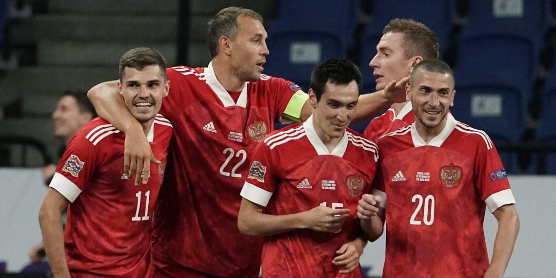 Сборная России по футболу улучшила свои позиции в рейтинге ФИФА