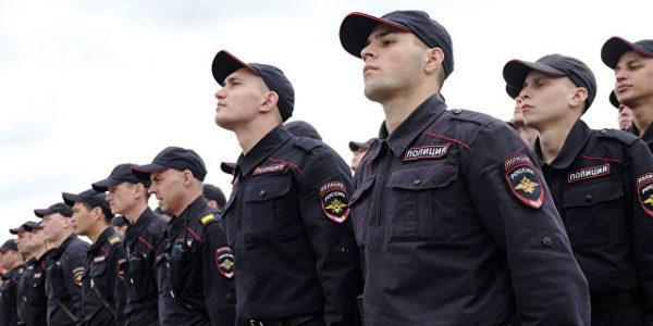 Российский депутат предложил сделать сотрудников МВД господами