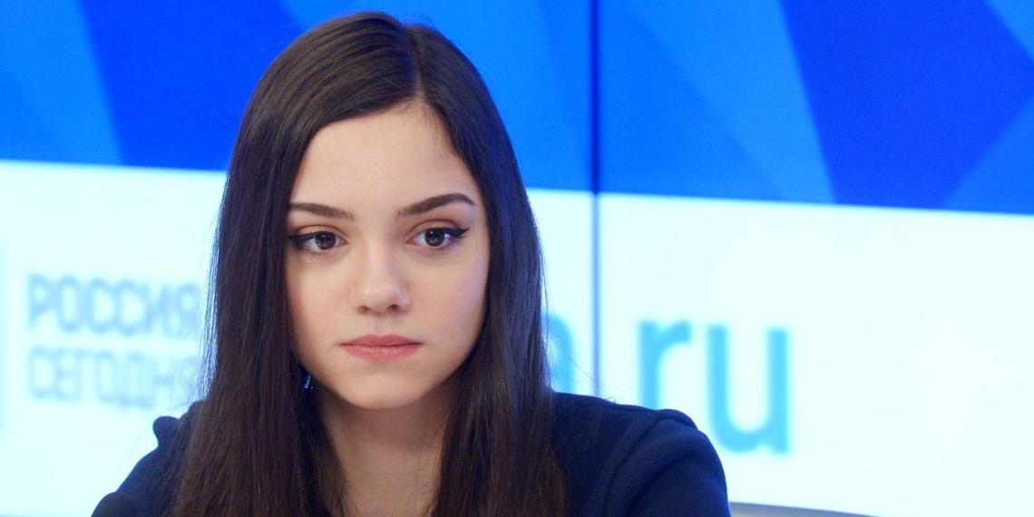 Уехавшая в Канаду Медведева отреагировала на обвинения в предательстве