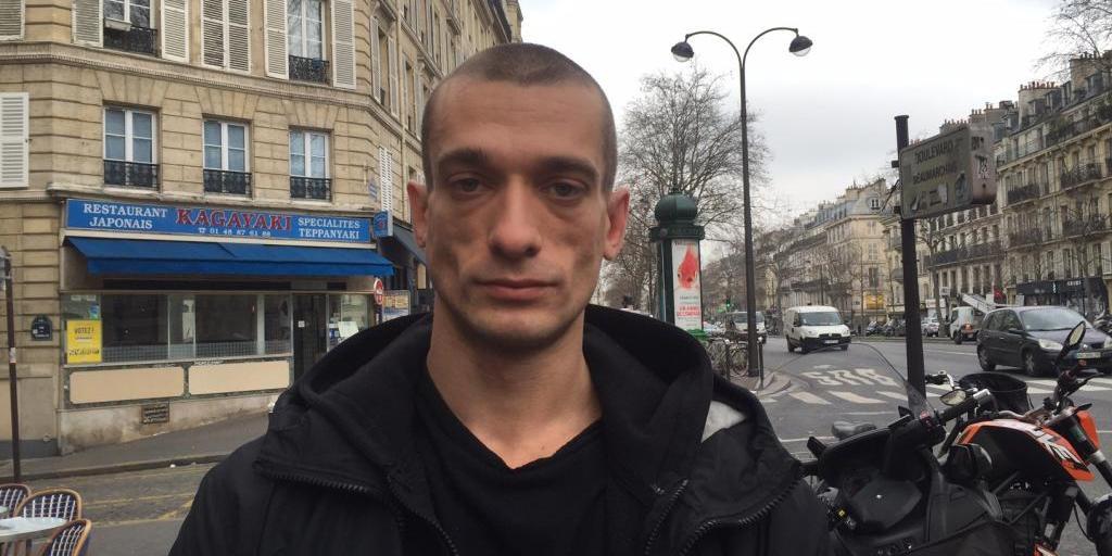 """""""Надо мной издеваются"""": Павленский пожаловался на пытки во французской тюрьме"""