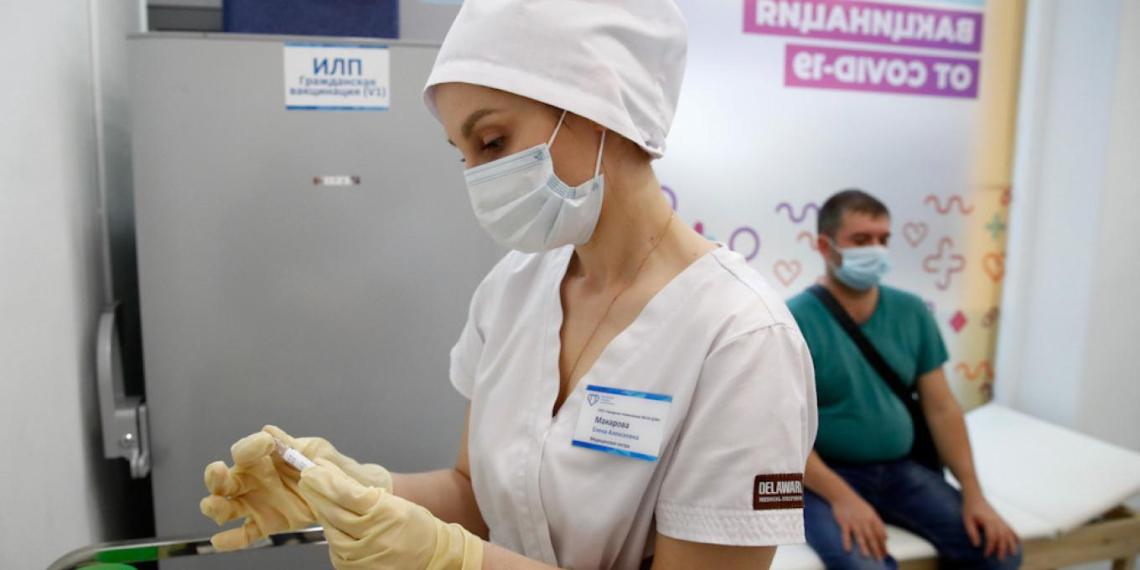 Число привитых от COVID-19 в Москве превысило 4 млн человек