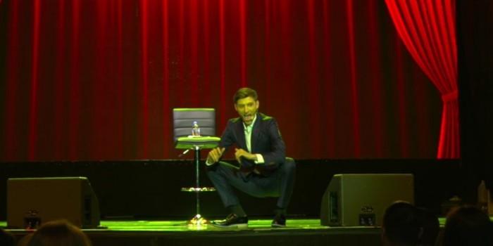 Жителей Екатеринбурга возмутили шутки Павла Воли на концерте в Нью-Йорке