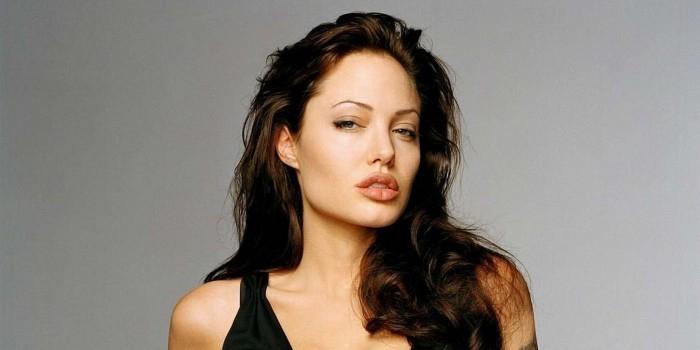 Анджелина Джоли превратится в чудовище