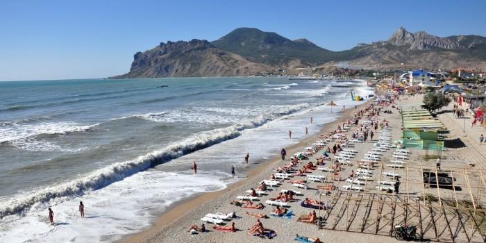 Священник РПЦ потребовал открыть в Крыму нудистский пляж