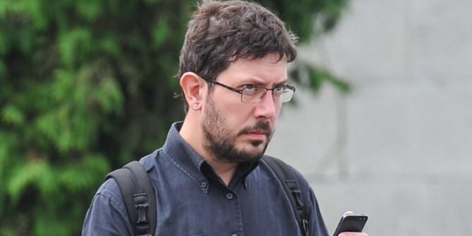 Артемий Лебедев сравнил Навального с рулоном туалетной бумаги