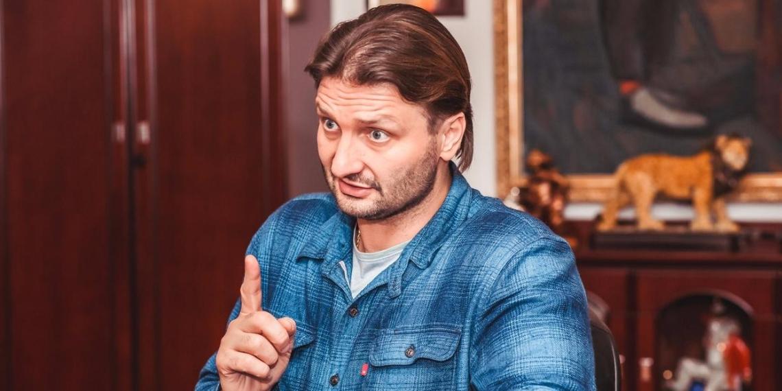 """Полиция за 3 месяца не смогла найти Запашного и допросить по делу о призывах """"крошить"""" болельщиков"""