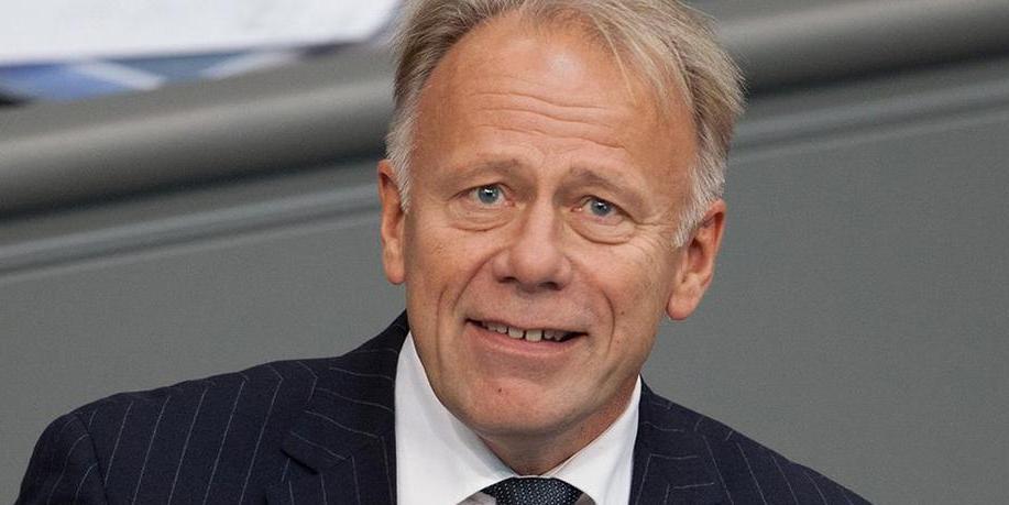 Немецкий политик назвал санкции США против России частью торговой войны