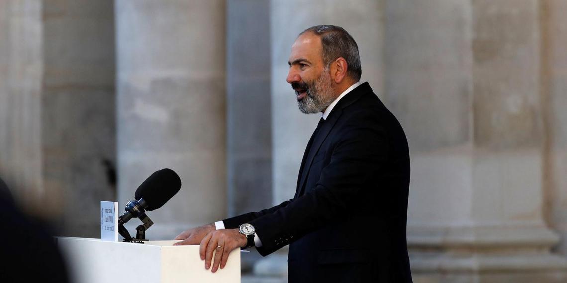 Пашинян объяснил, зачем подписал соглашение по Карабаху