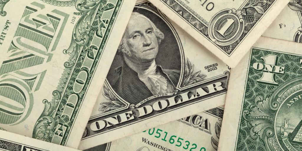 """Кассир банка заставила клиента заплатить """"налог на кокаин"""""""