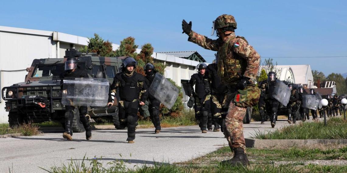 После требования президента Сербии на границу с Косовом прибыли силы НАТО