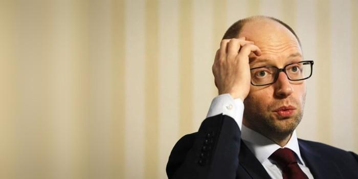 Опрос: Яценюка полностью поддерживает 0% украинцев, Порошенко — на 3% больше