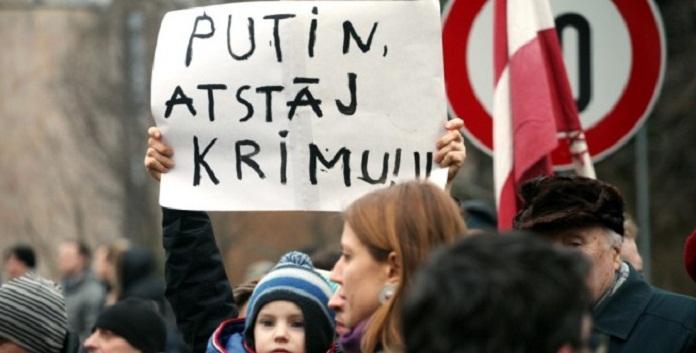 """Немецкий портал рассказал, как европейцам """"промыли мозги"""" против России"""