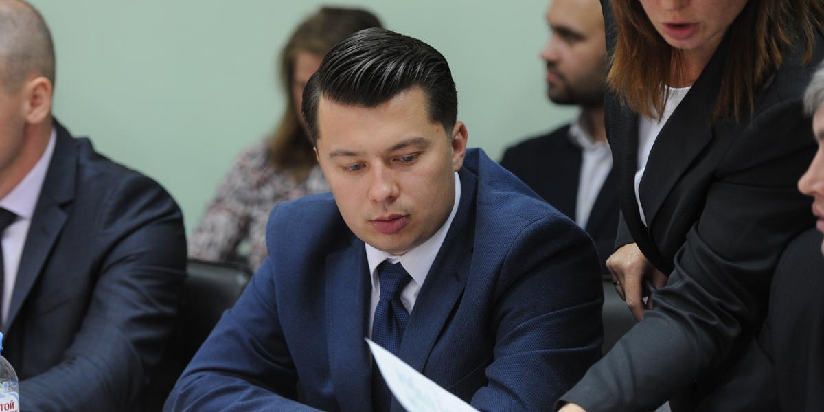 Российский депутат устроил в ночном клубе вечеринку в нарушение ограничений