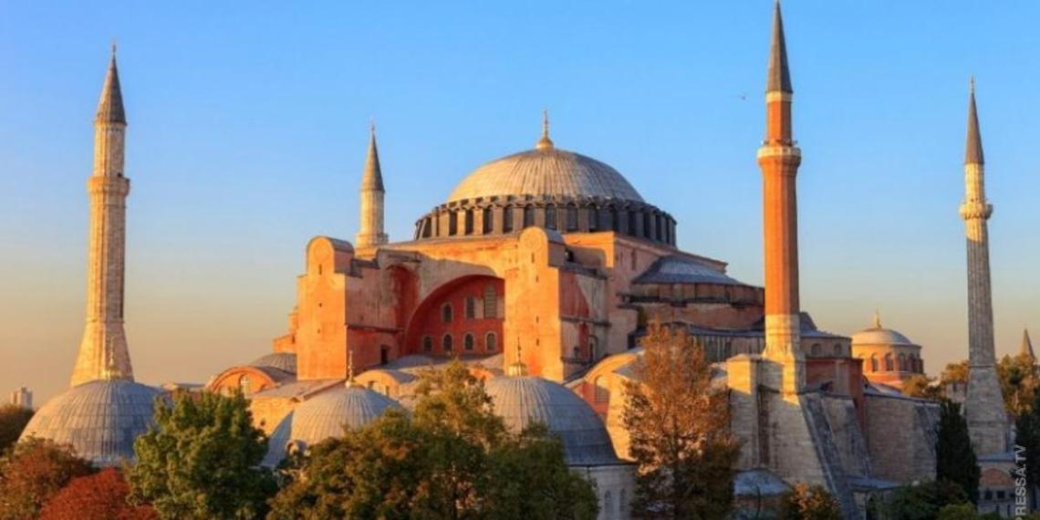 Турция официально определилась с превращением собора Святой Софии в мечеть